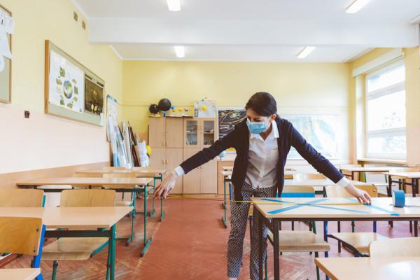 © Hygiene in Schulen: Stock-1224902548